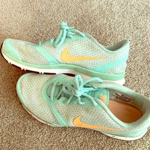 Size 7 Nike free sneakers